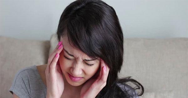 donna mal di testa ictus